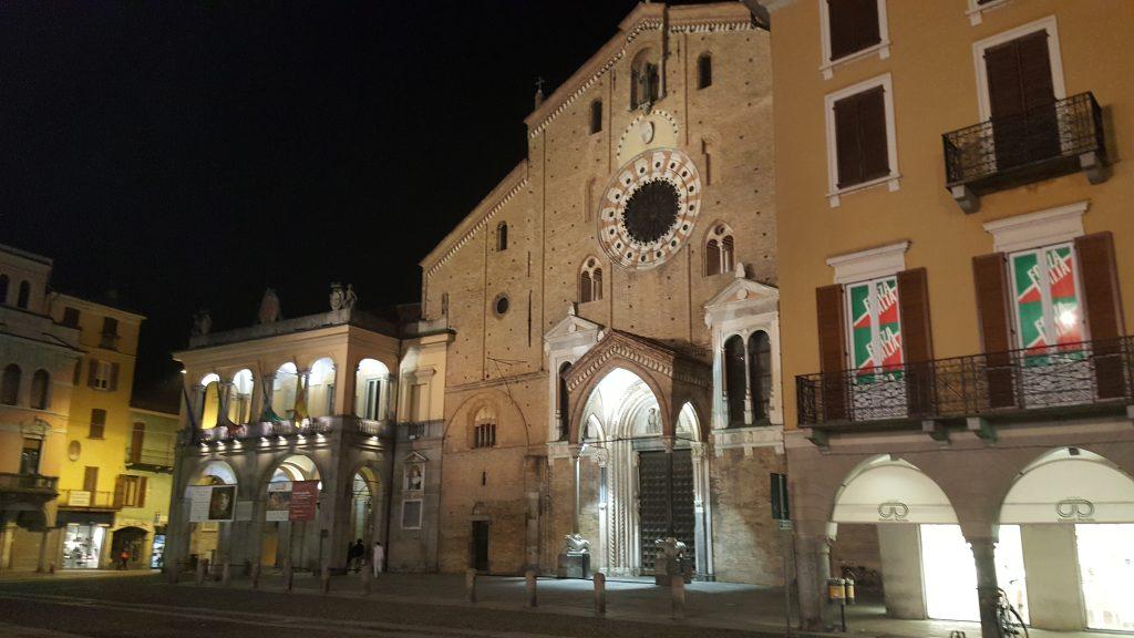 Piazza in Lodi- Italien