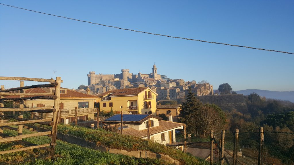 Blick auf Bracciano in der Toskana, Italien