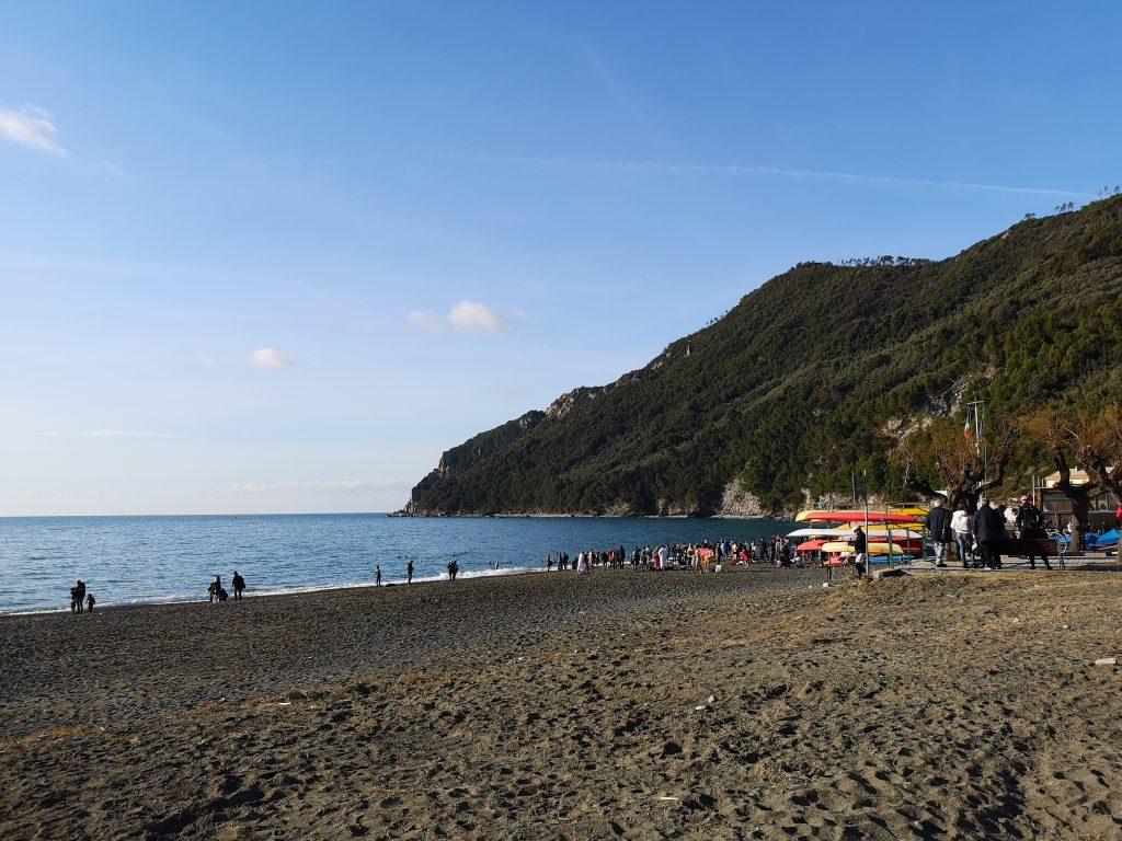 Weihnachtsschwimmen in Sestri Levante am zweiten Weihnachtsfeiertag