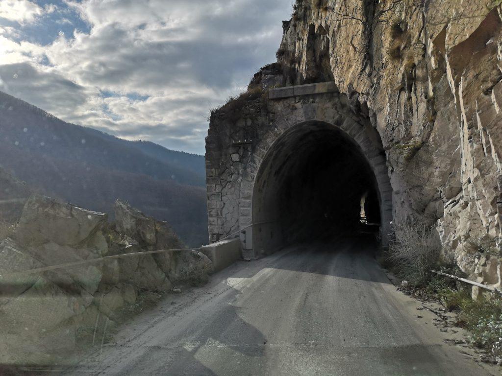 Tunnel Steinbruch in Carrara Italien