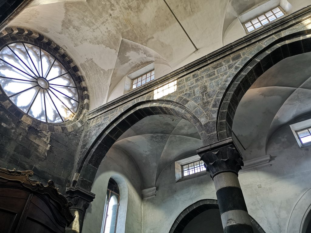 Innenraum Kirche in Levanto Italien