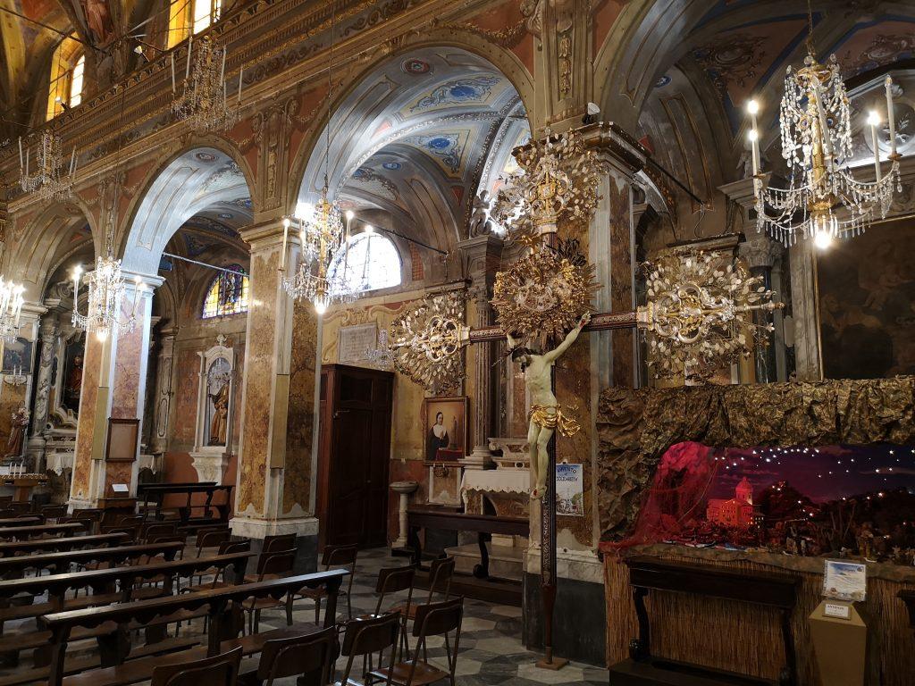 Innenraum der Kirche bei Genua Italien