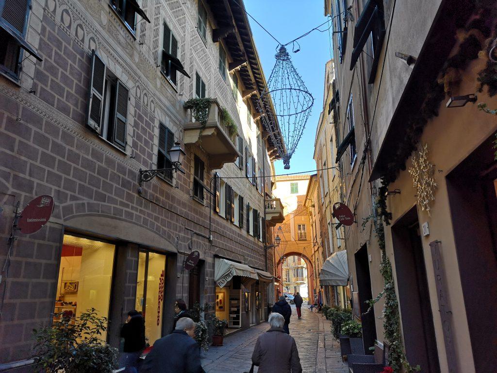 Altstadt von Albenga Italien