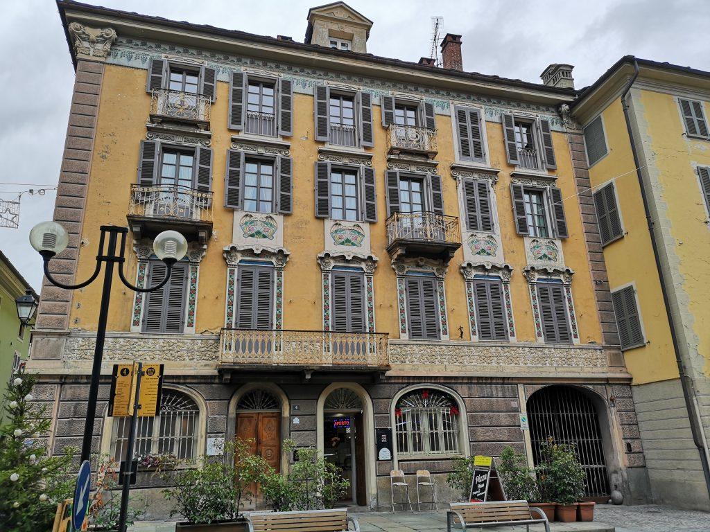 Jugendstilfassade in Aosta Italien