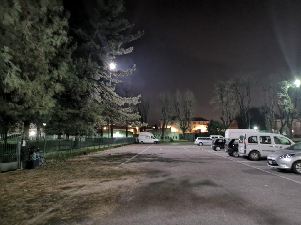 Übernachtungsplatz in Vercelli auf einem Parkplatz