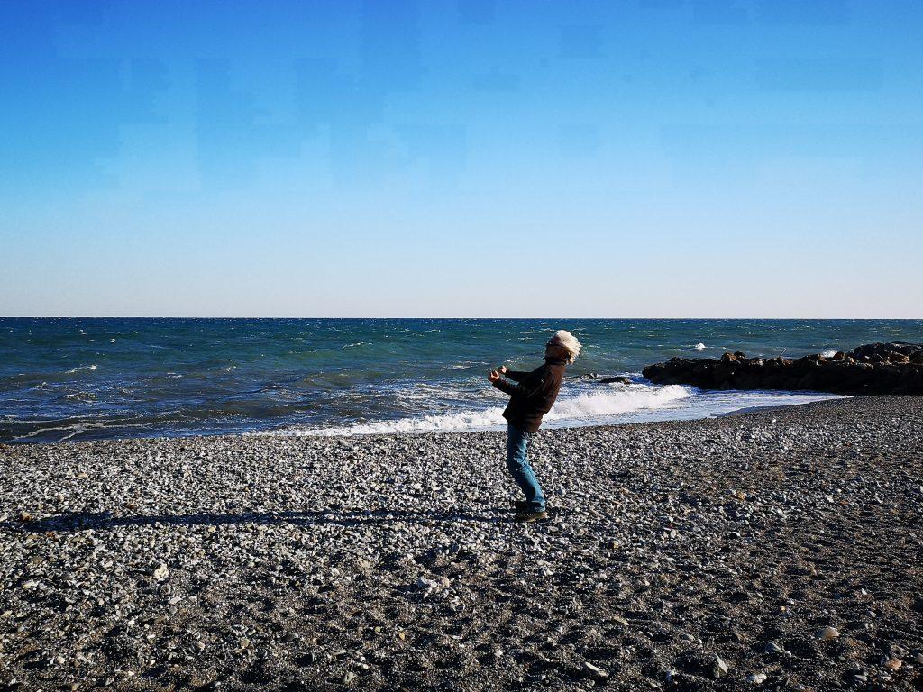 Franz am Strand von Albenga Italien
