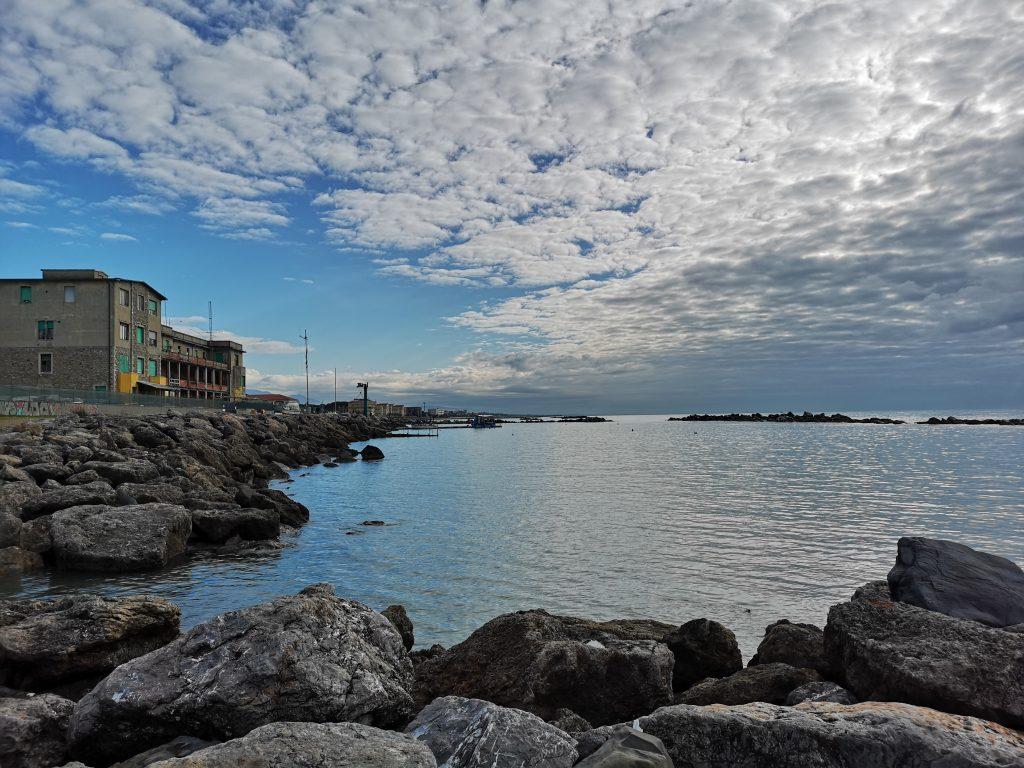 Küste bei Massa in der Toskana- Italien