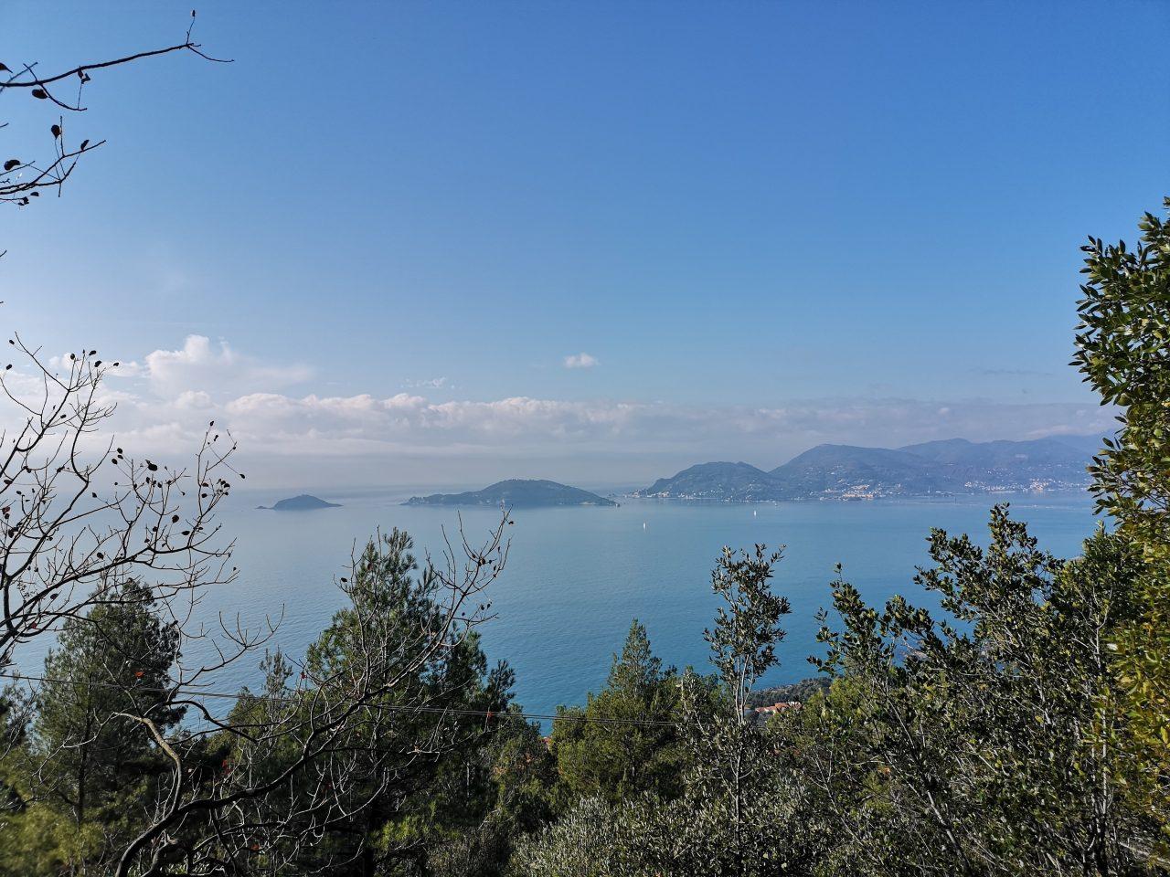 Blick auf die Küste bei Levanto in Italien