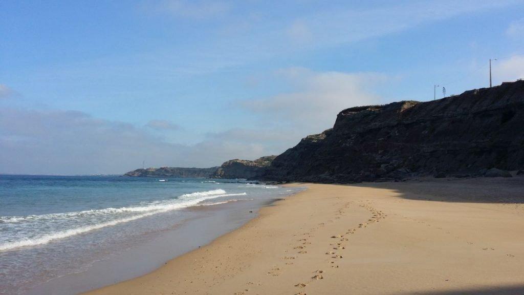 Sandstrand an der Küste Portugals