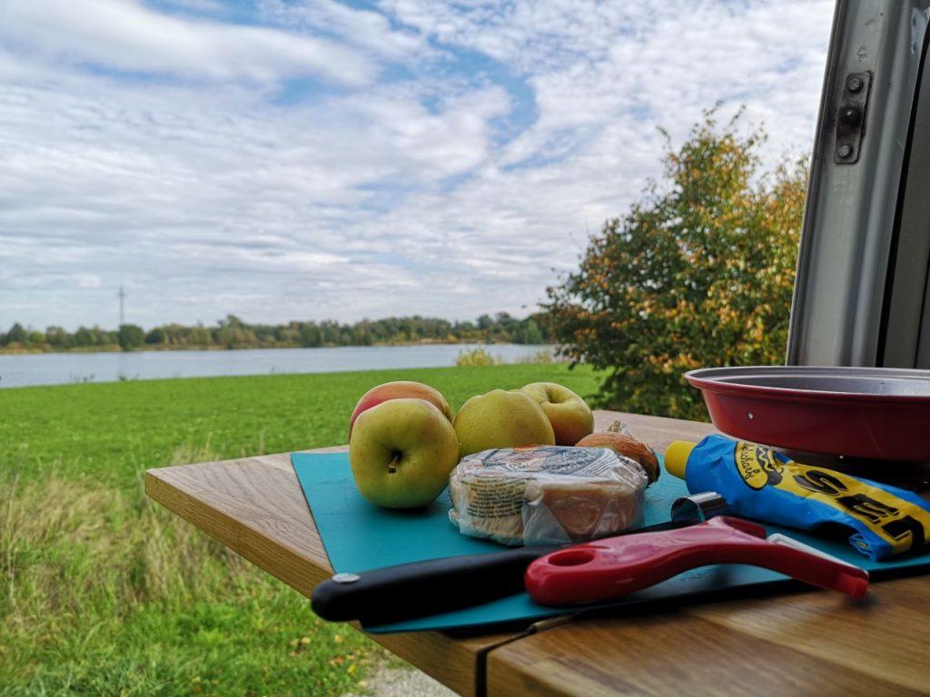 Zutaten für das Rezept Apfel mit Münsterkäse im Omnia zubereitet