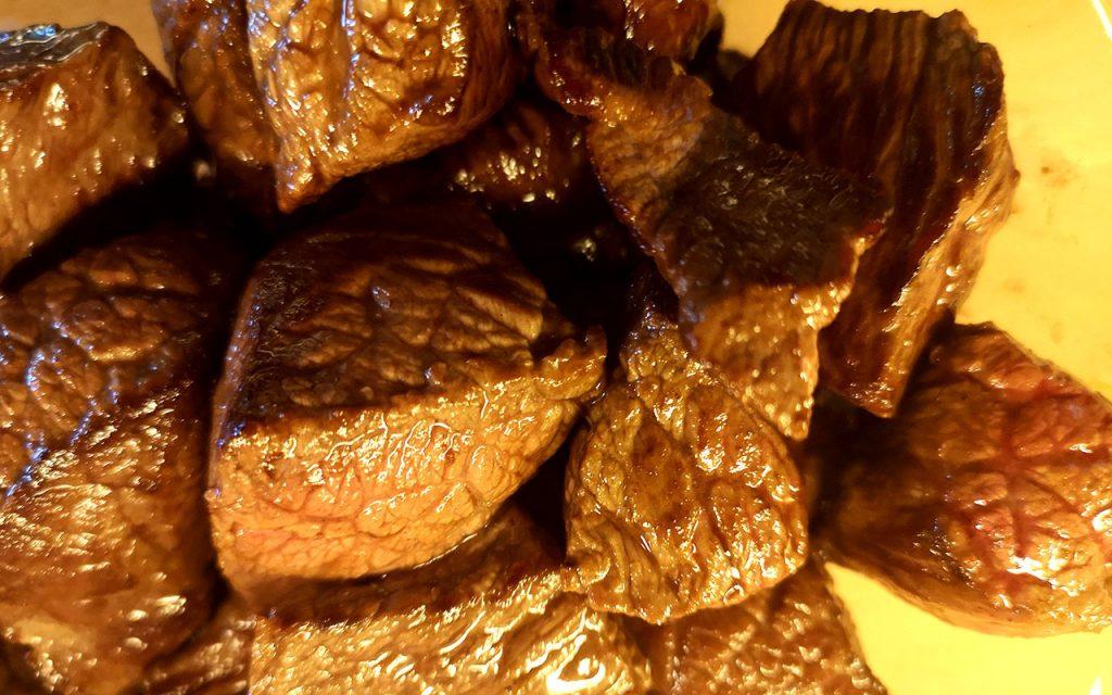 Rindfleisch für Gulasch kräftig anbraten One- Pot